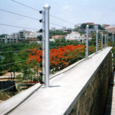 walltop-solar-fencing-500x500